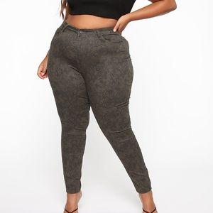 Fashion nova print jeans